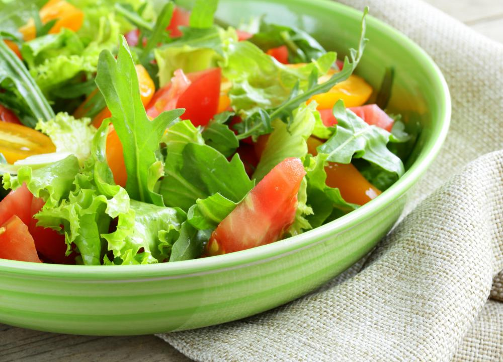Salads can be a healthy lunch idea.