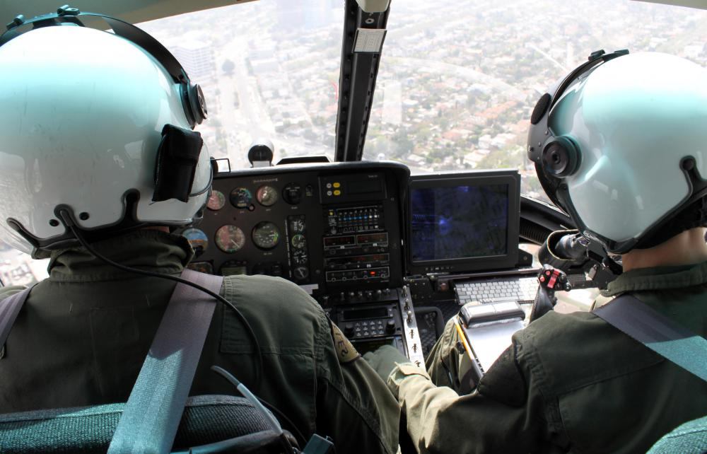 Helicopters use horizontal situation indicator instrumentation for manual or automatic piloted flight.