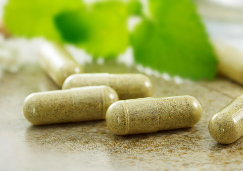 Some herbal supplements come in pill form and may aid in weight loss.