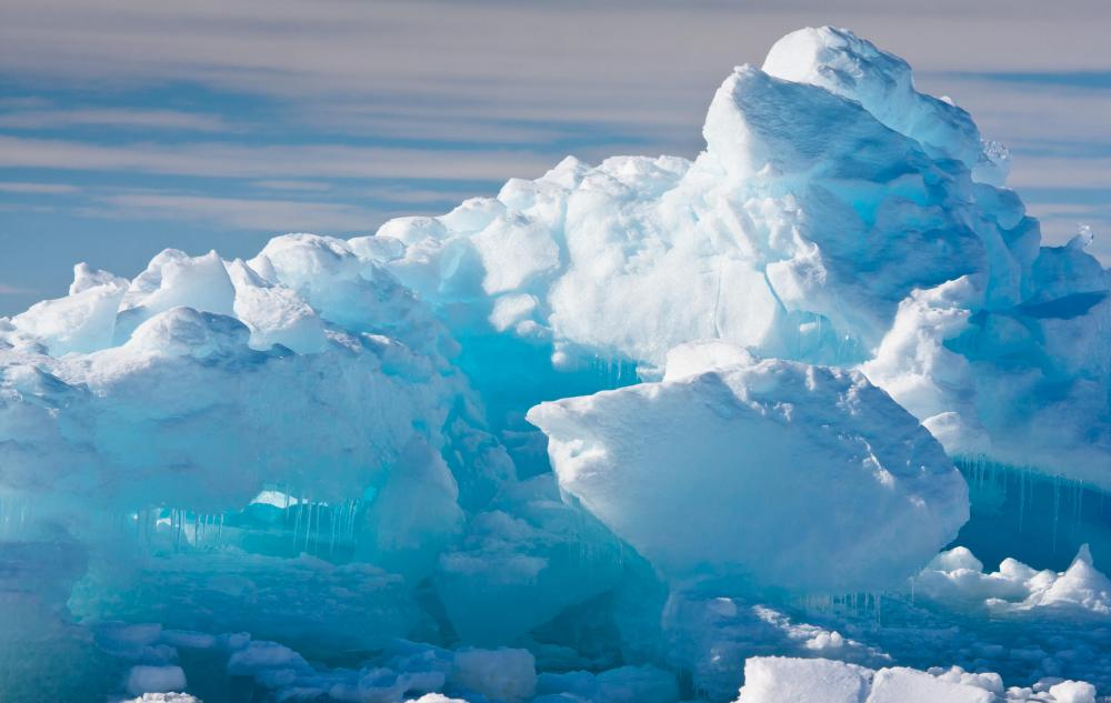 Floating ice often prevents ships from reaching the Antarctic mainland in the winter.