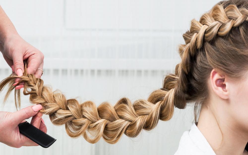 The color of interlock braids should match the natural color of the individual's hair.