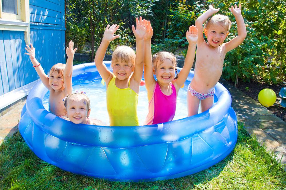 What is a wading pool with pictures for Kids swimming pool