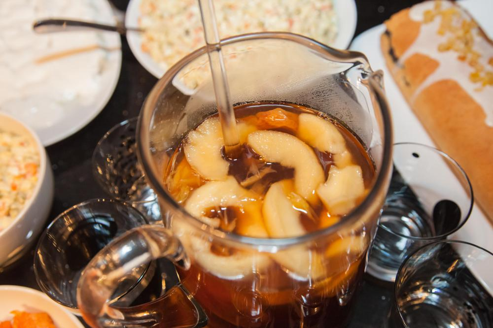 Bananas may be used to make kompot, a popular Russian drink.