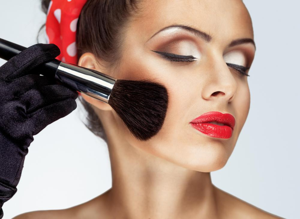 what are the different types of makeup artist supplies