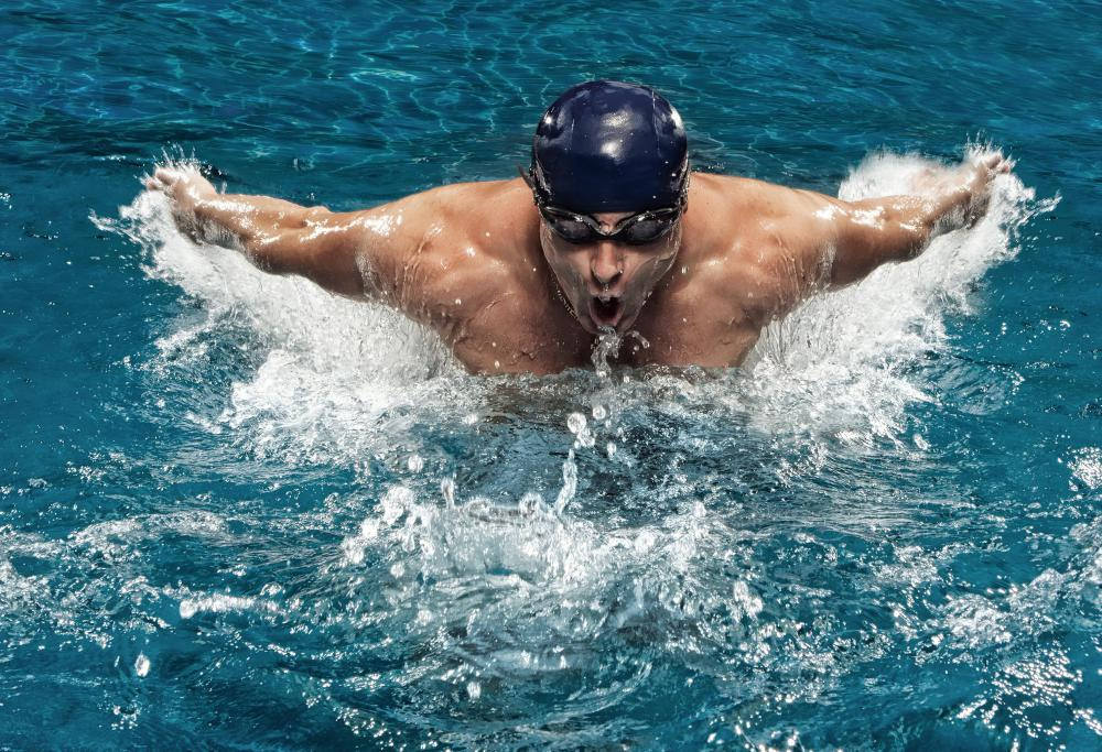 Freestyle swimming is a good way to build the latissimus dorsi muscle.