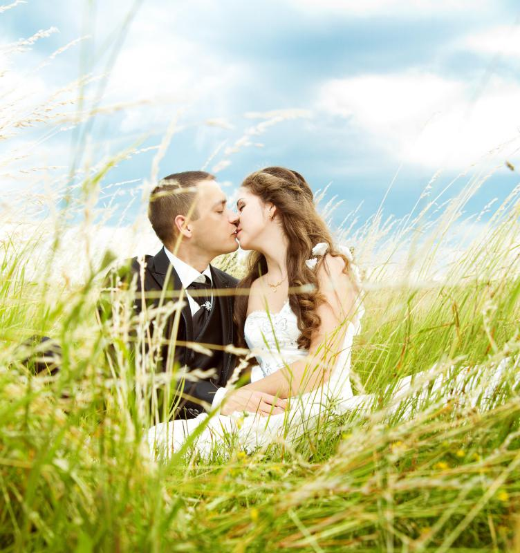 A professional photo shoot for the couple is a great engagement gift.