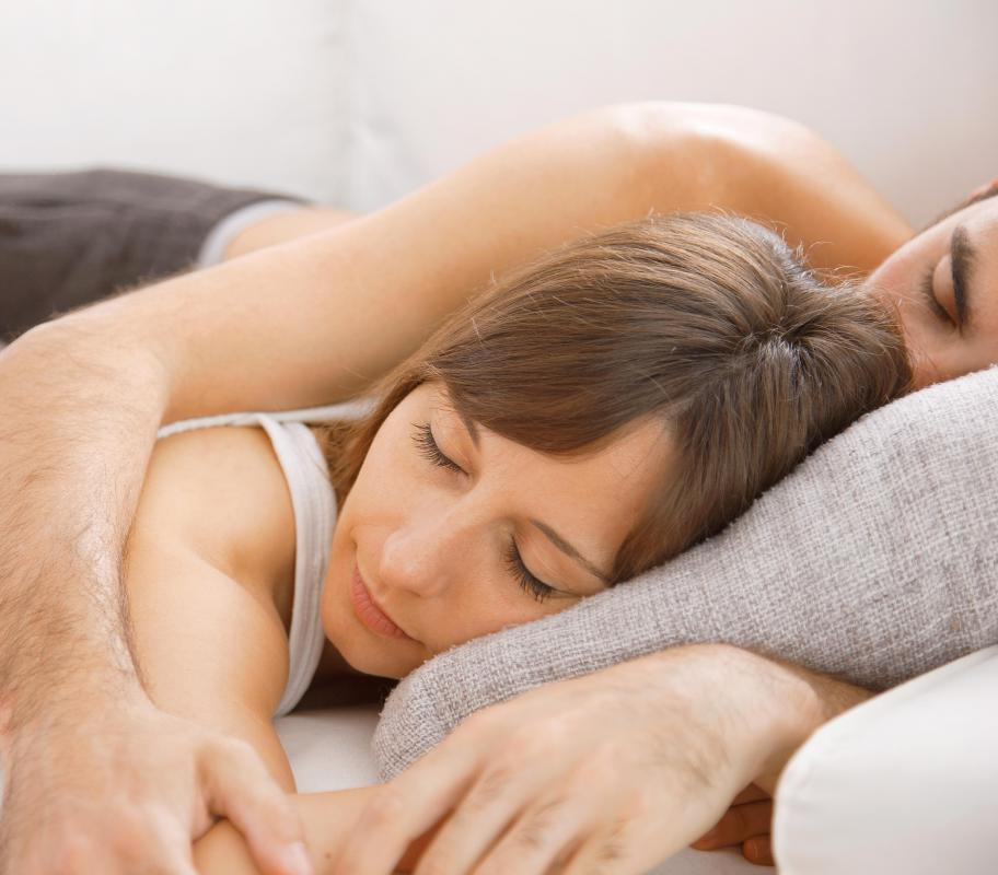 love difference between woman loves sleeps with