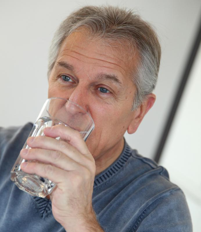 Plain water can help speed up recovery from food poisoning.