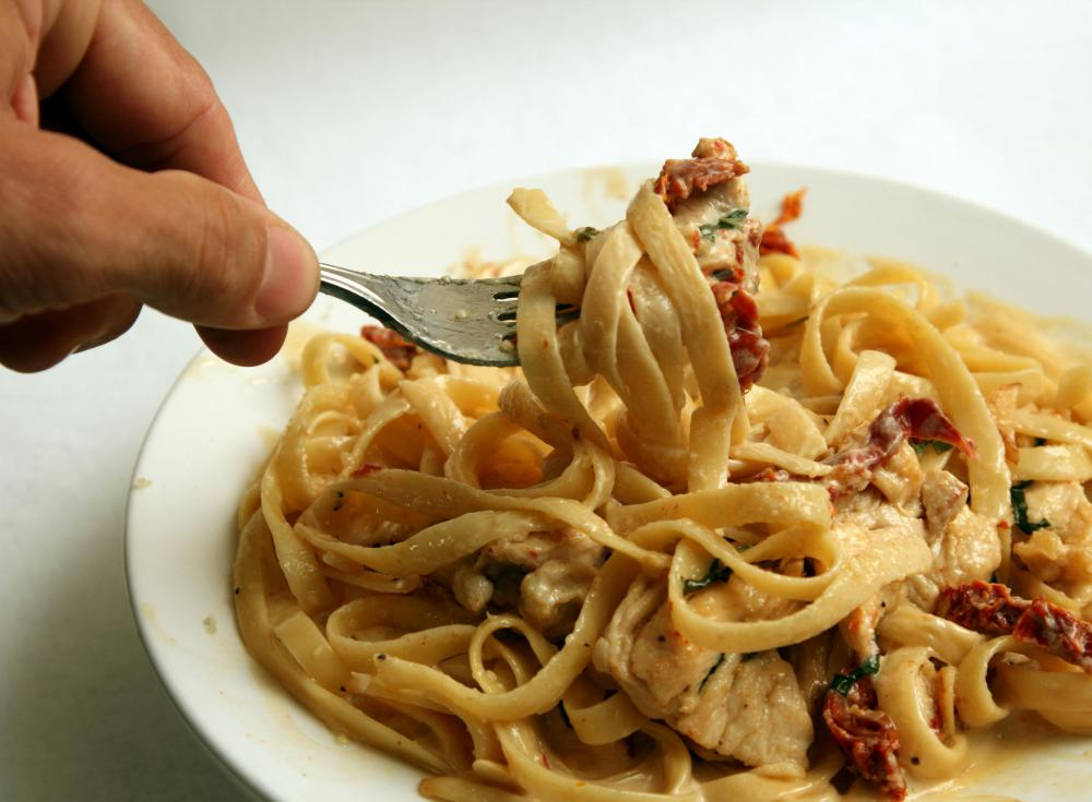 Some people find that konjac noodles work well as a low carbohydrate alternative to traditional pasta.