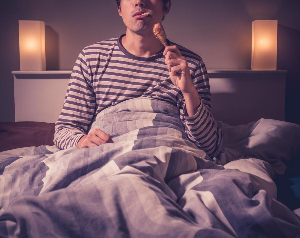 what is night eating syndrome? (with pictures)