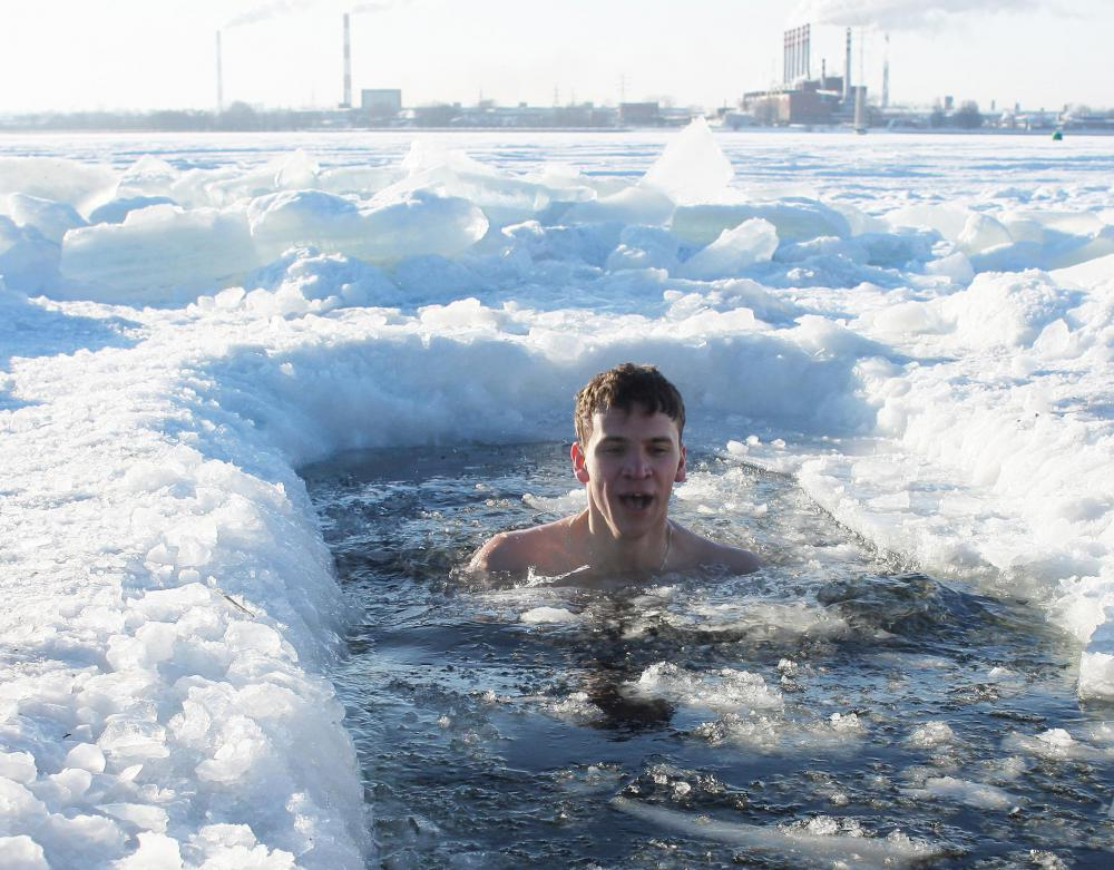 Some people believe that swimming in cold water improves circulation and boosts the immune system.