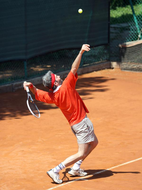 Many elderhostels offer outdoor sports like tennis.