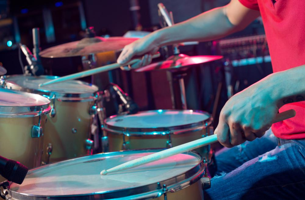 If you're looking for a cheap drum set, your best bet is to look at used ones.