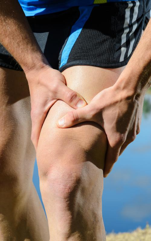 Quadriceps strains are classified in three grades.