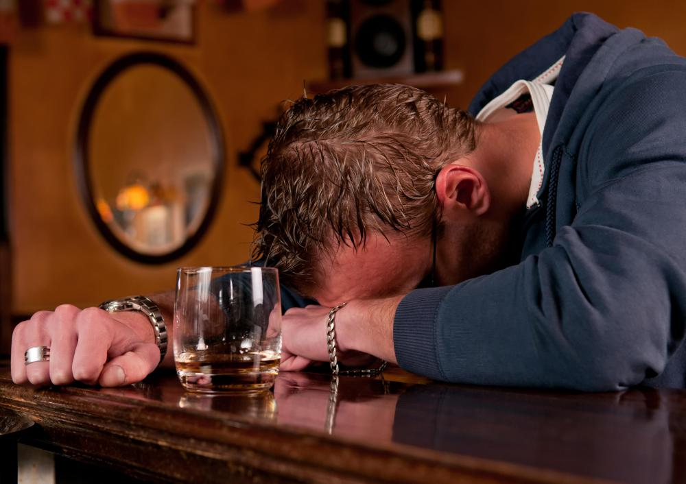 Adverse reactions to olanzapine may occur when the drug is mixed with alcohol.