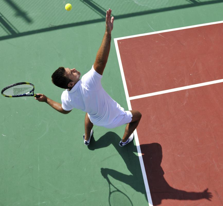 Whether it's a major tennis tournament or a casual match between friends, a tennis basket can be useful for the players.