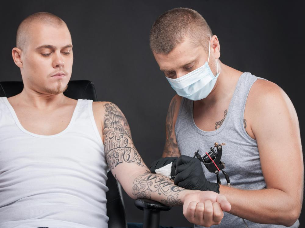 Certain vitamins can help to moisturize a tattoo while aiding in the healing process.