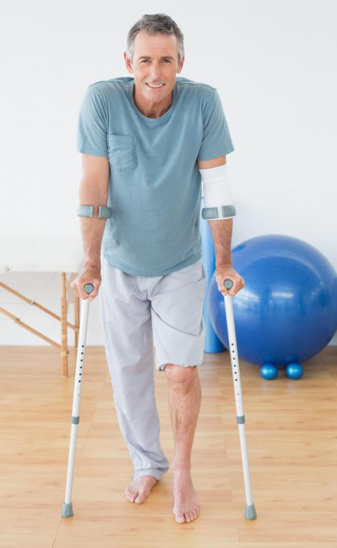 Physical therapy may be helpful in treating tricompartmental arthritis.