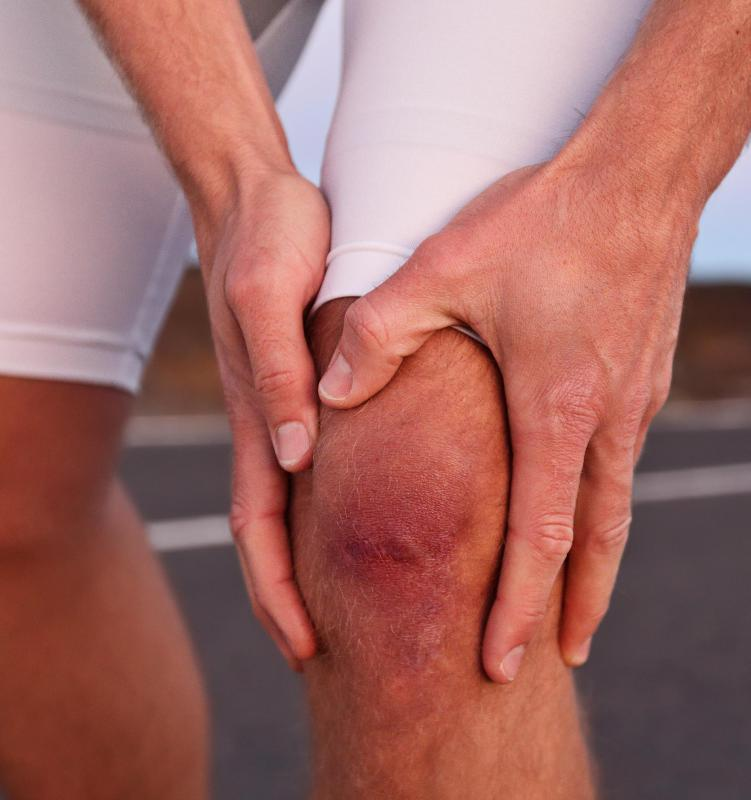 Some amount of pain will be experienced following knee surgery.