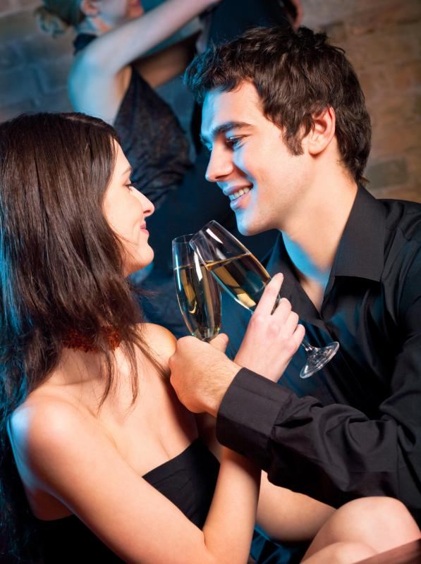 Couples on a first date should moderate their alcohol consumption.