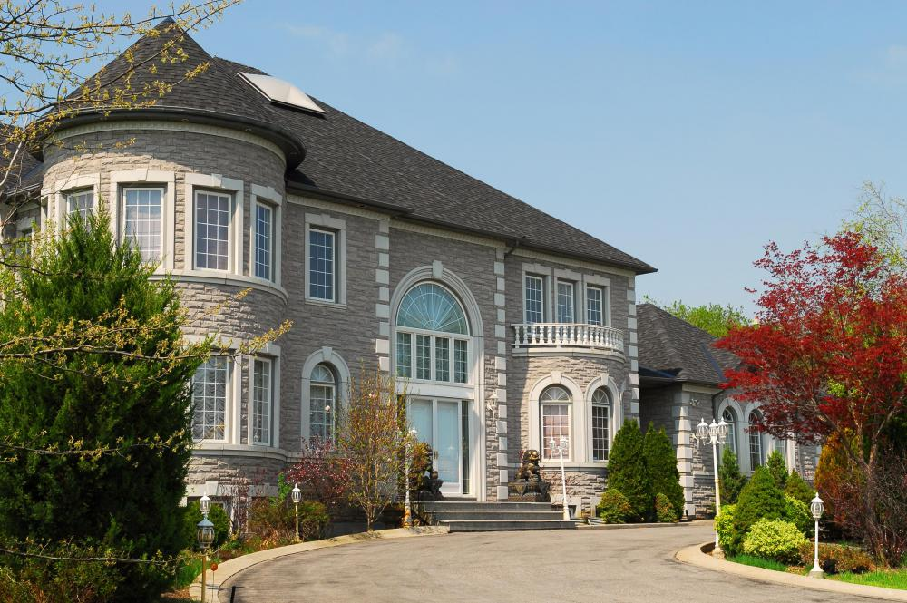 People may sell a variety of objects via online internet auctions, including mansions.