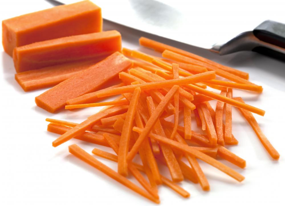 The allumente or matchstick cut is great for carrots used in salads.