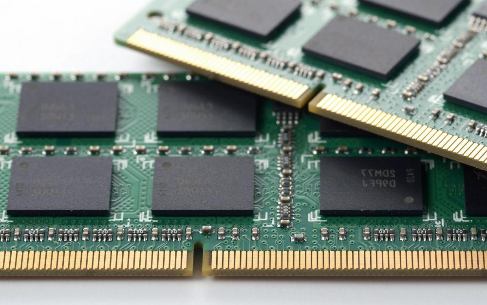 What is Dynamic Random Access Memory? (with pictures)