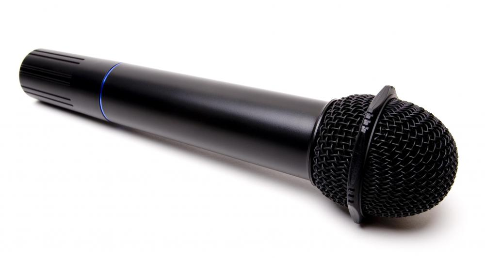 How do I Choose the Best Studio Microphone? (with pictures)