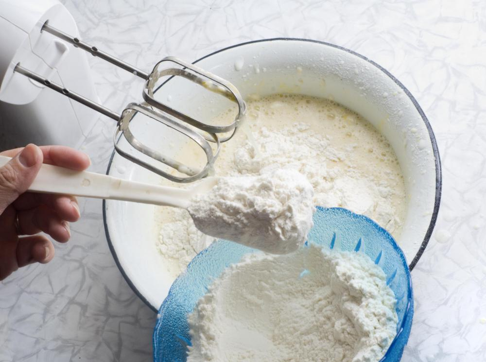 A kitchen mixer is the ideal tool for mixing cookie dough or cake batter.