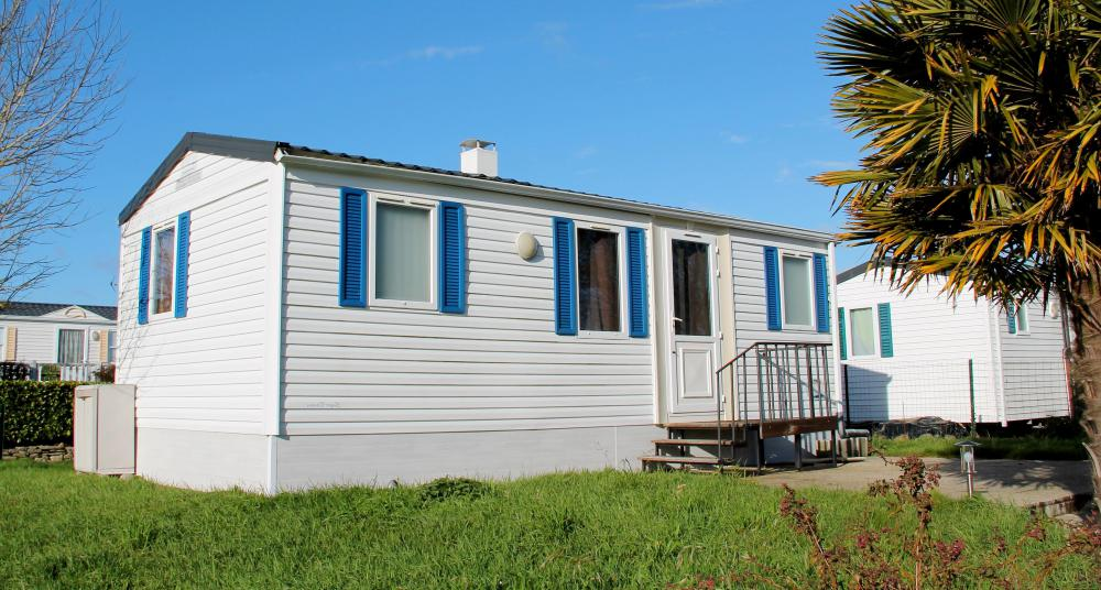 People may choose a mobile home as their main residence.