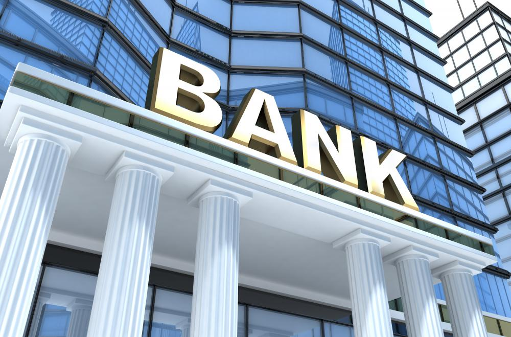 In a retail bank, the structure typically is separated by the various functions, ranging from electronic banking services to customer service and managers of particular divisions.