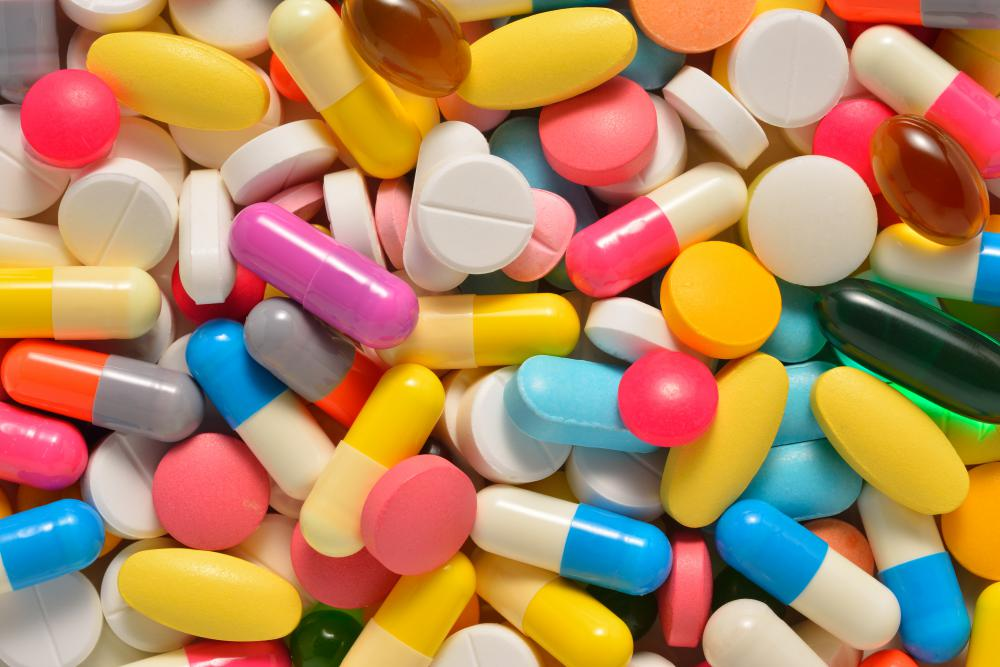 What Does a Medication Technician Do? (with pictures)