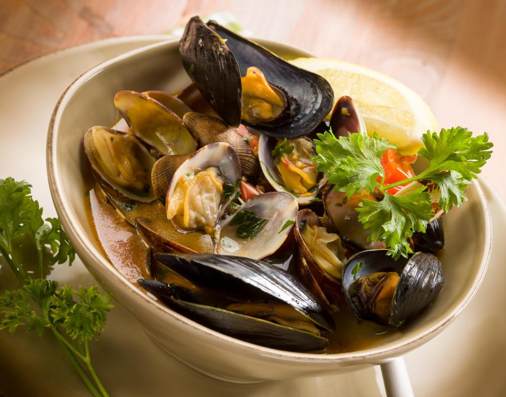 Mussels can be cooked in a variety of ways, such as smoking, steaming, and stewing.