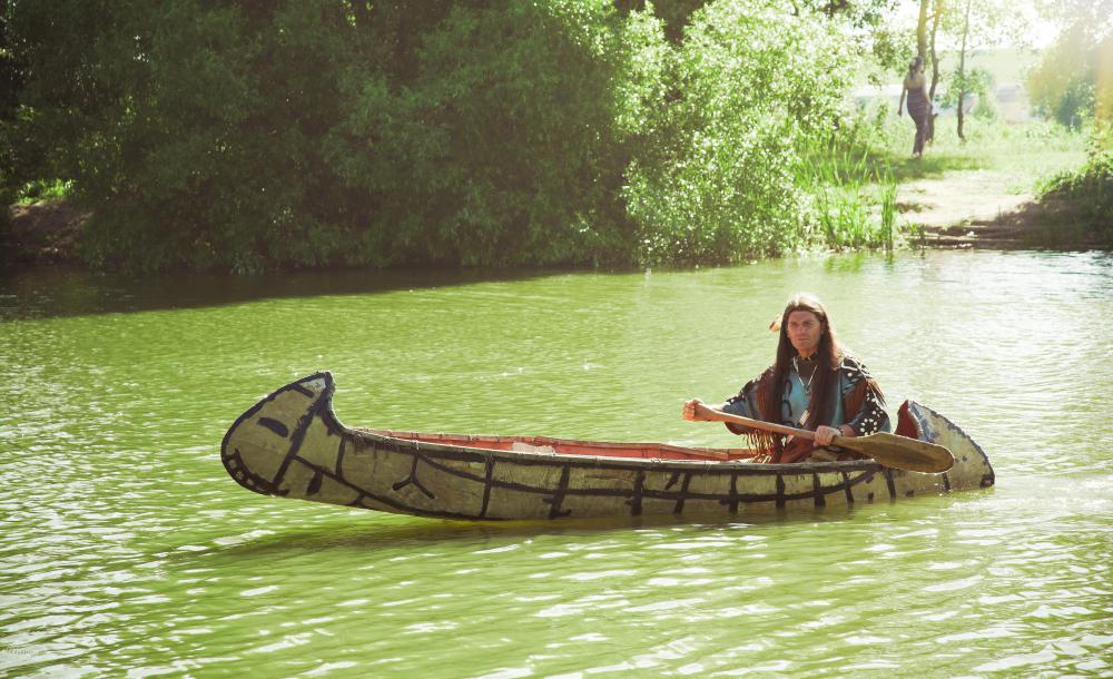 Various Native American groups, particularly in eastern North America, used canoes for both trading and warfare.