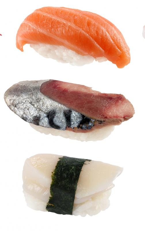 Nigiri sushi generally uses much less seaweed, if any, than maki sushi.
