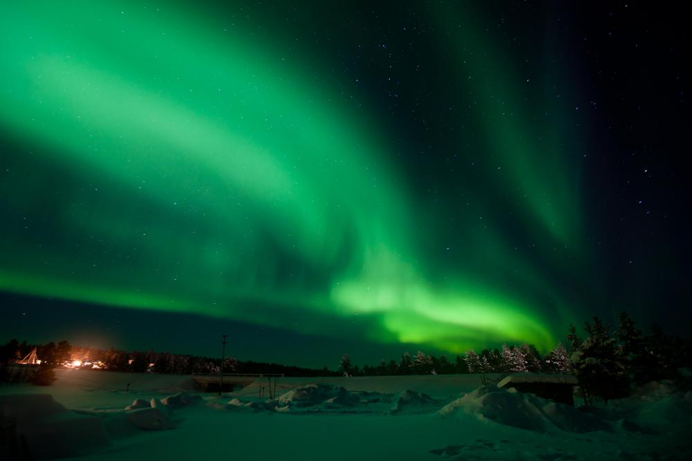 Solar particles slipping into the pole cusp create the northern lights.