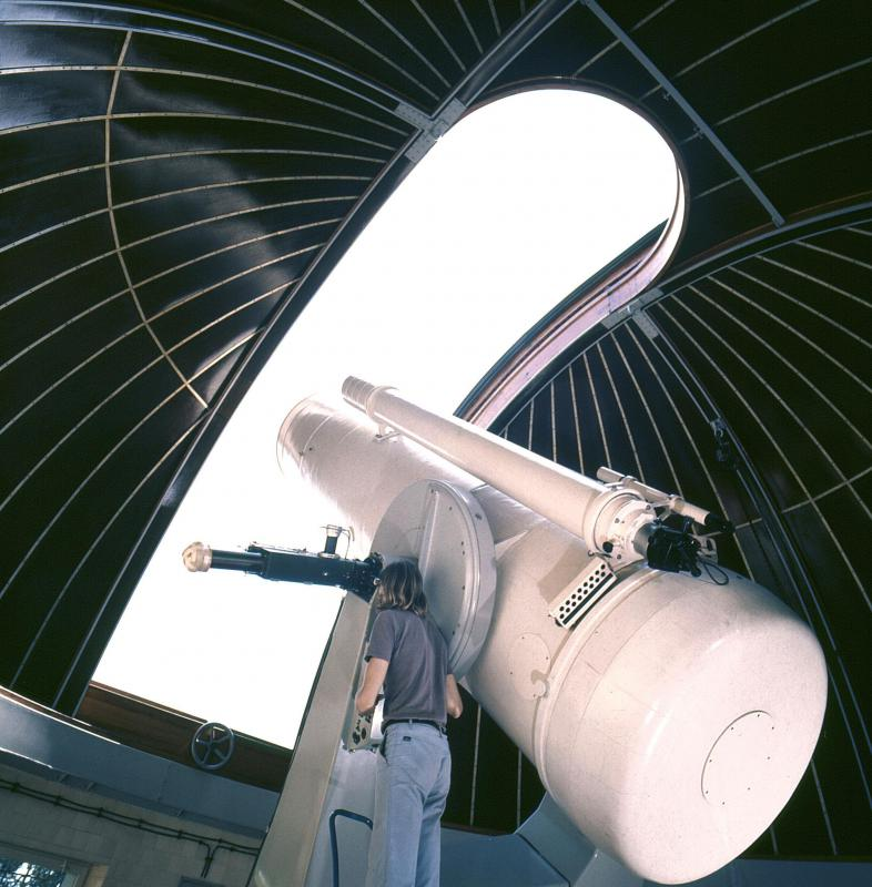 Big or small, nearly all telescopes share common parts, such as a tube-shaped body, lenses and mirrors.
