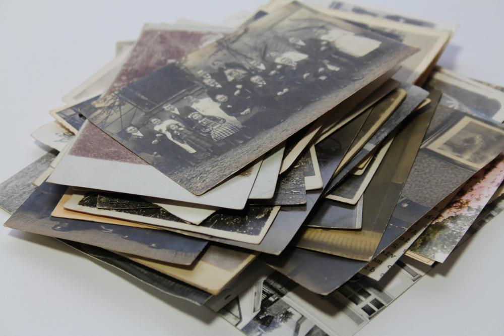 Photographs may be used to make a shadowbox.