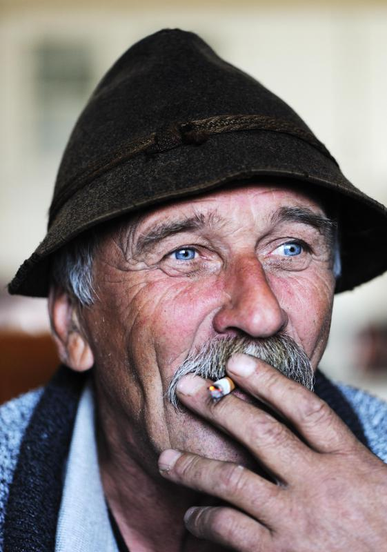 Males over the age of 55 that smoke are most likely to develop bladder polyps.