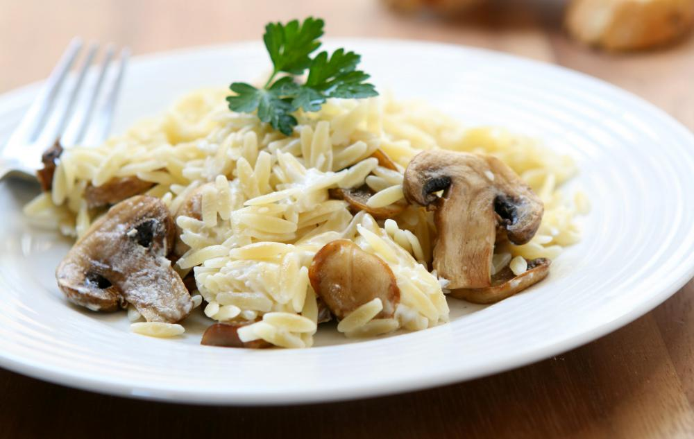Orzo with mushrooms.