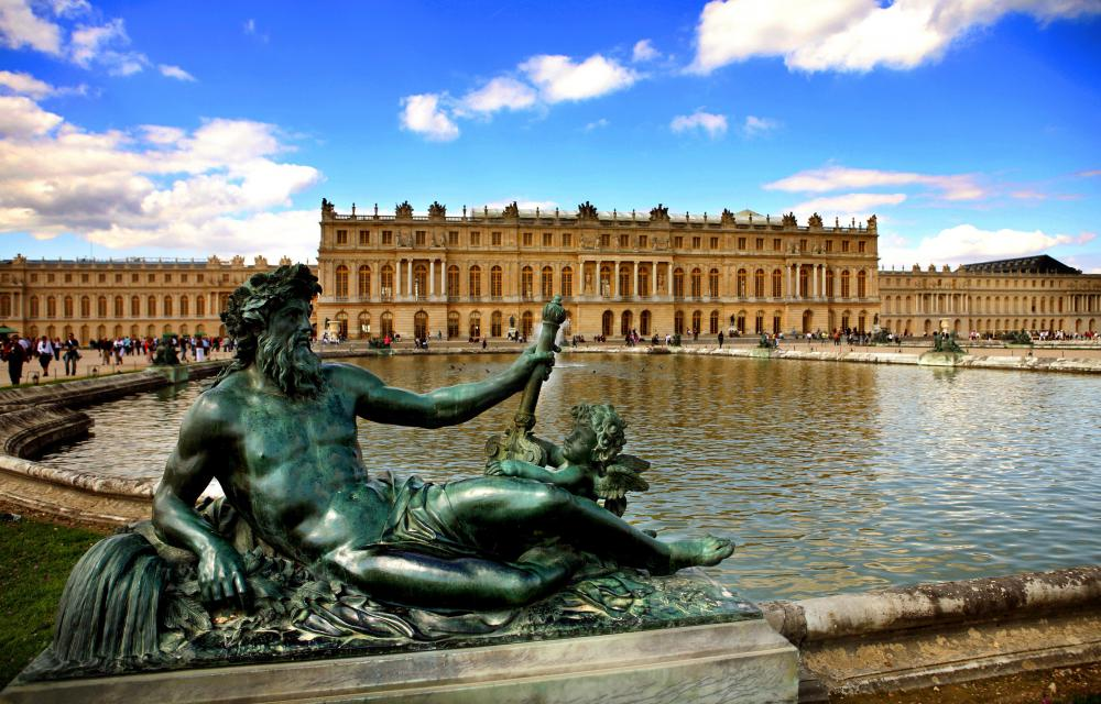 The Versailles Gardens of France and those surrounding the Louvre Museum in Paris are both heavily influenced by the principles and aesthetics of paradise gardening.