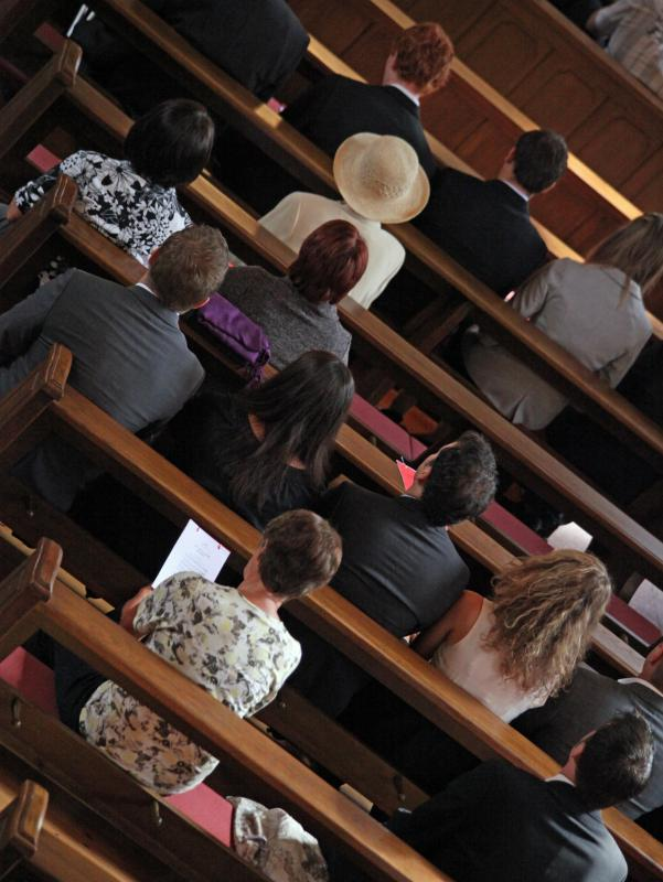 A church consultant provides pastors with ideas for expanding church membership.