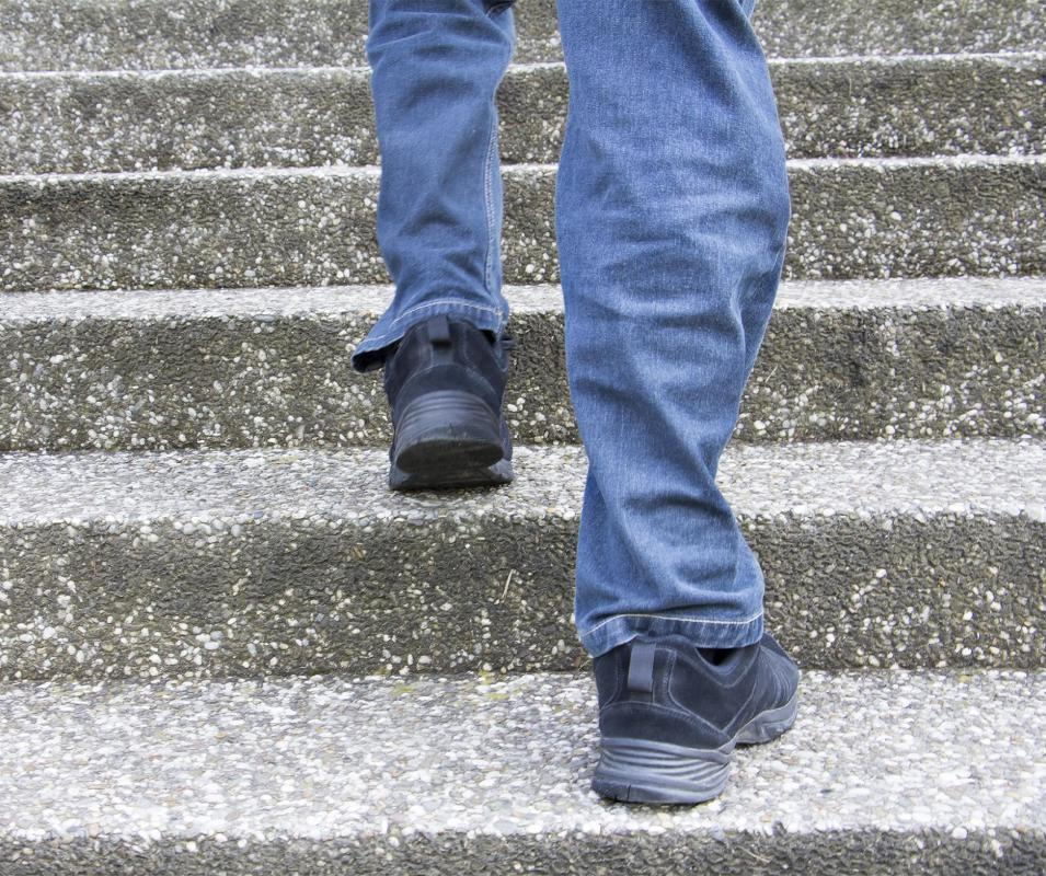 People suffering with bone spurs may have difficulty walking up and down stairs.