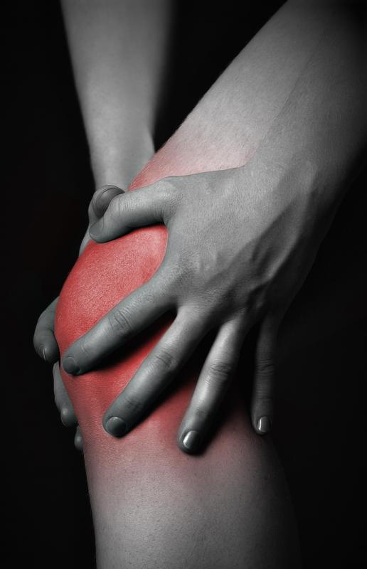 A weak gluteus medius muscle may be the cause of knee pain.