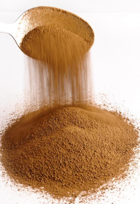 Cocoa powder can mask the strong taste of kale in smoothie recipes.