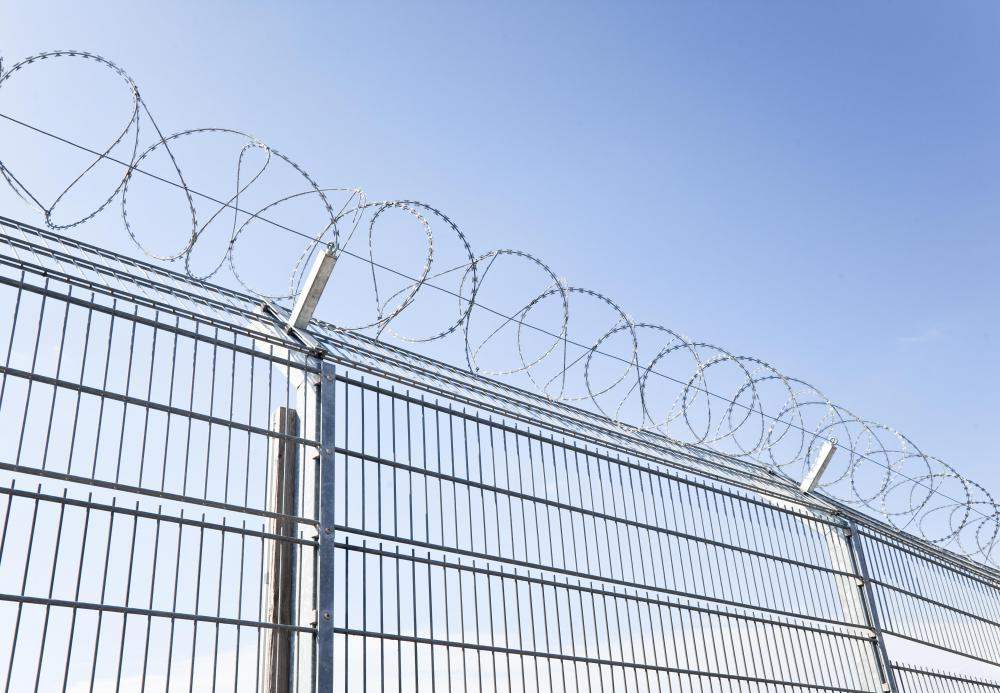 What is a Barbed Wire Fence? (with pictures)