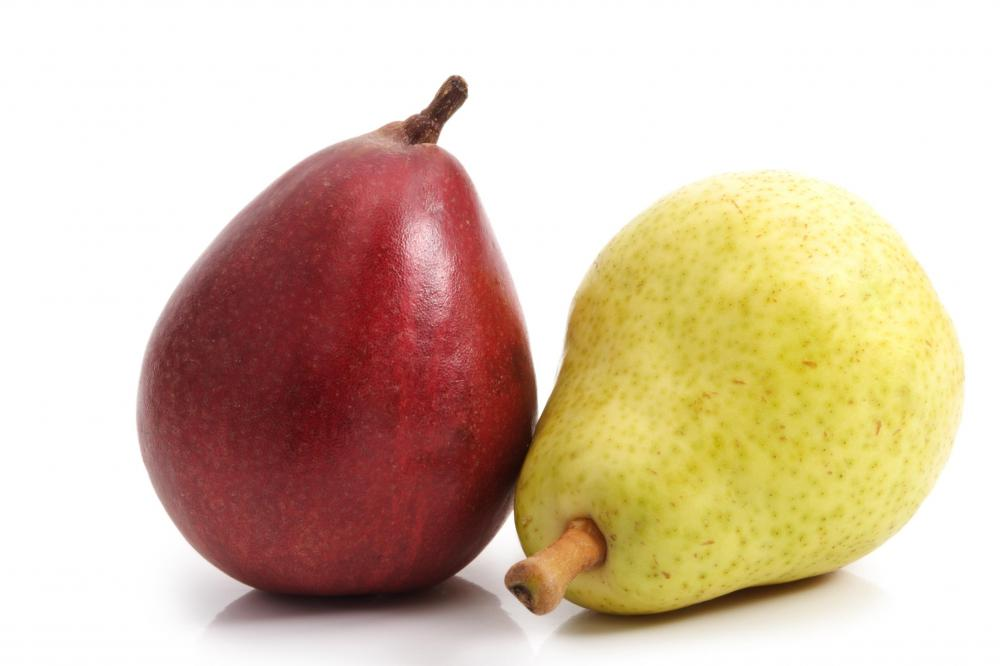 A red and a green Barlett pear.