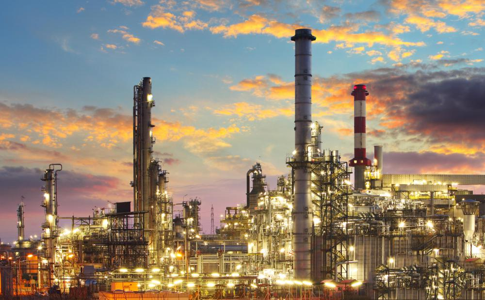 Investors in heating oil futures must monitor refinery production to see if regulatory, technical, or meteorological factors will affect oil supplies.