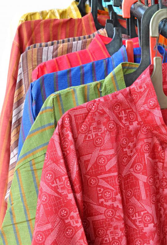 A kurta is a loose fitting shirt that has its origin in Middle Eastern countries.