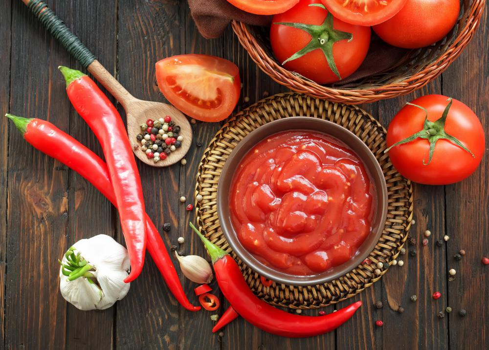 Salsa criolla contains chili peppers and tomatoes.